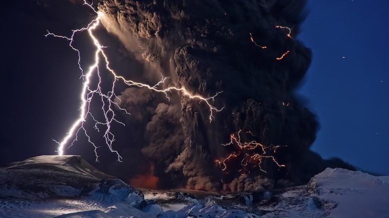 Volcano, Stefnisson