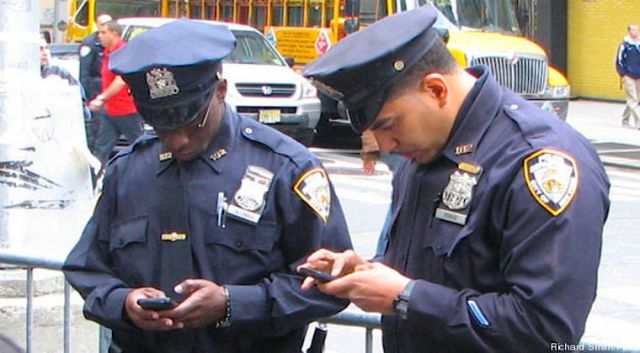 Coppers snooping cellphones